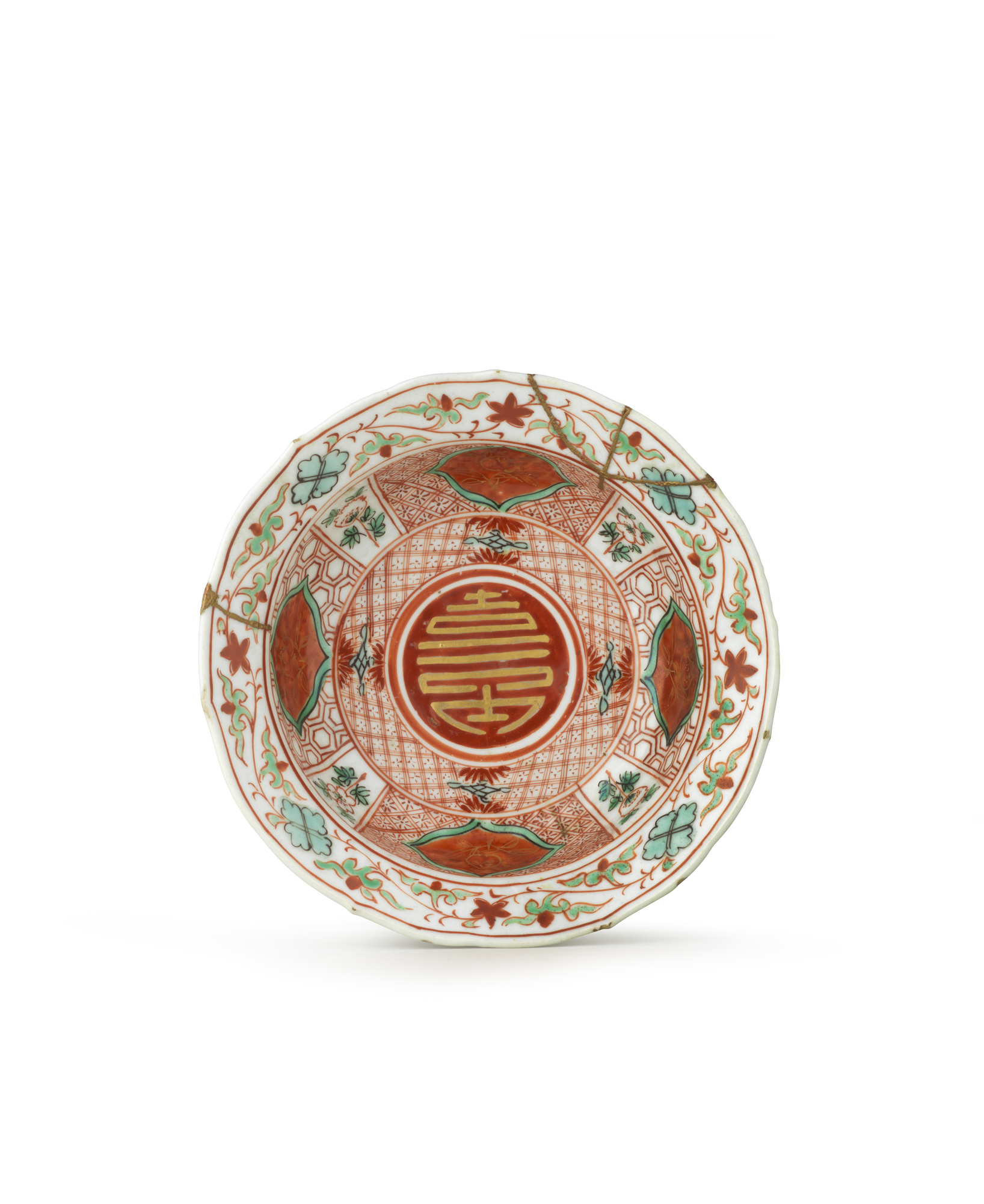 Porcelain decorated in overglaze iron-red, turquoise and green enamels, and gold; gold laquer China — Ming dynasty (1368–1644), late 16th to early 17th century H. 5 Ø 14.5 cm