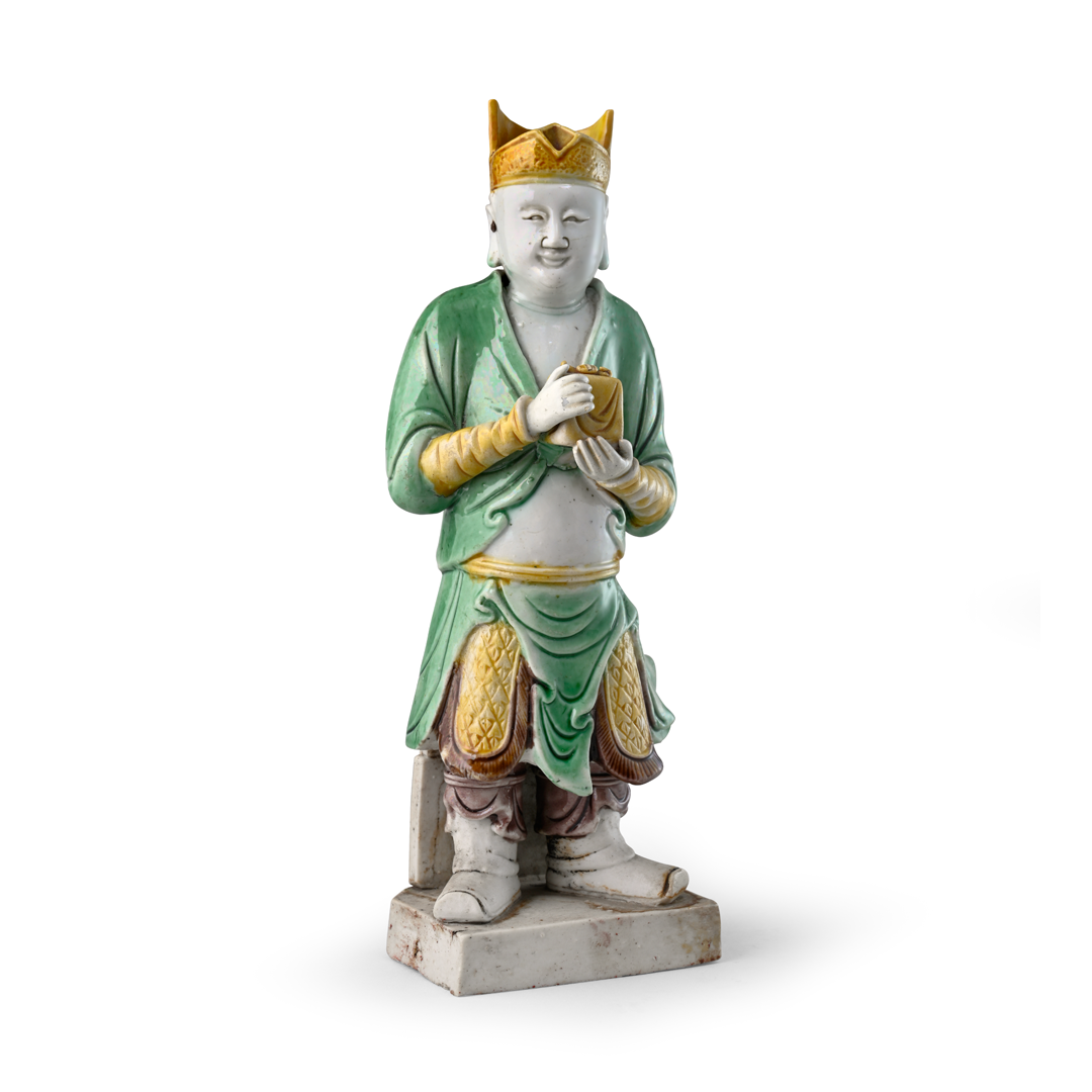 Figure of Guan Ping, Porcelain decorated with famille verte enamels on the biscuit, Qing dynasty, Kangxi period (1662-1722)