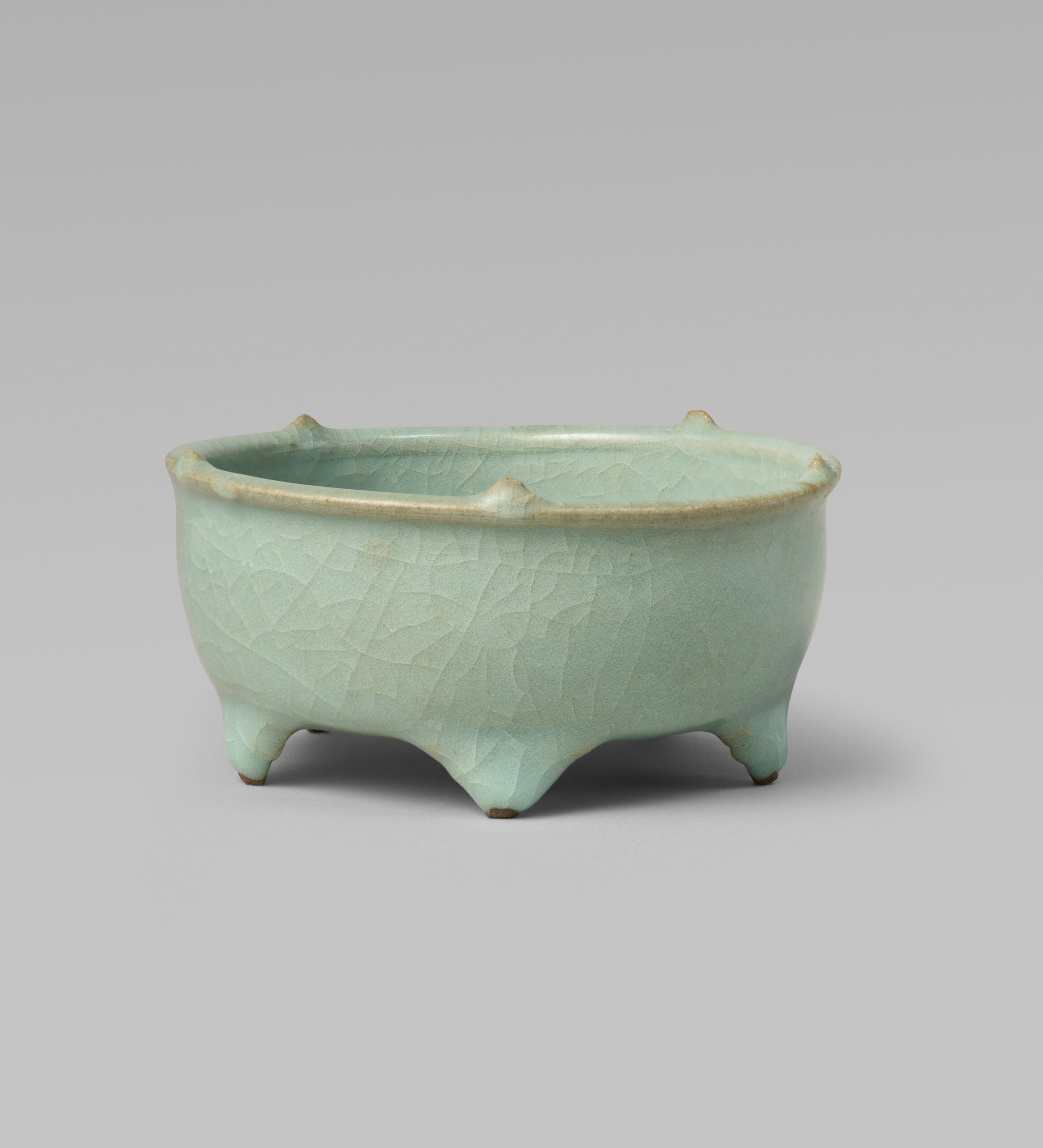 A Longquan Guan-type censer (Southern Song/Yuan dynasty, 13th/14th century)