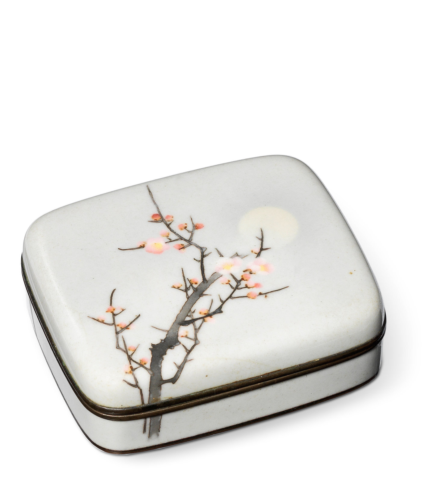 A CLOISONNÉ-ENAMEL ROUNDED SQUARE BOX AND COVER, By Namikawa Sosuke (1847-1910), Meiji era (1868-1912), late 19th/early 20th century, 3.2cm x 9.7cm (1¼in x 3¾in).