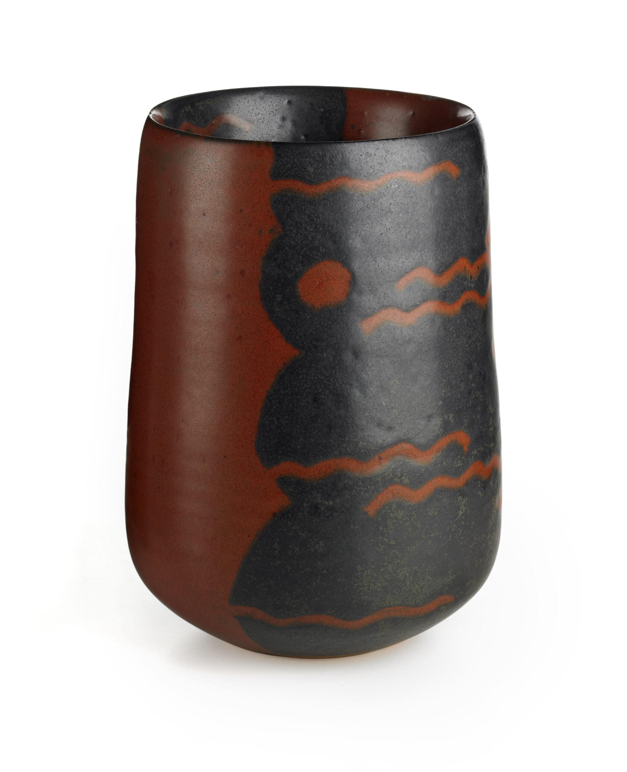 FLOWER VASE by MORINO Taimei (b.1934)   Heisei period, c.2000 Stoneware with resist glaze motifs