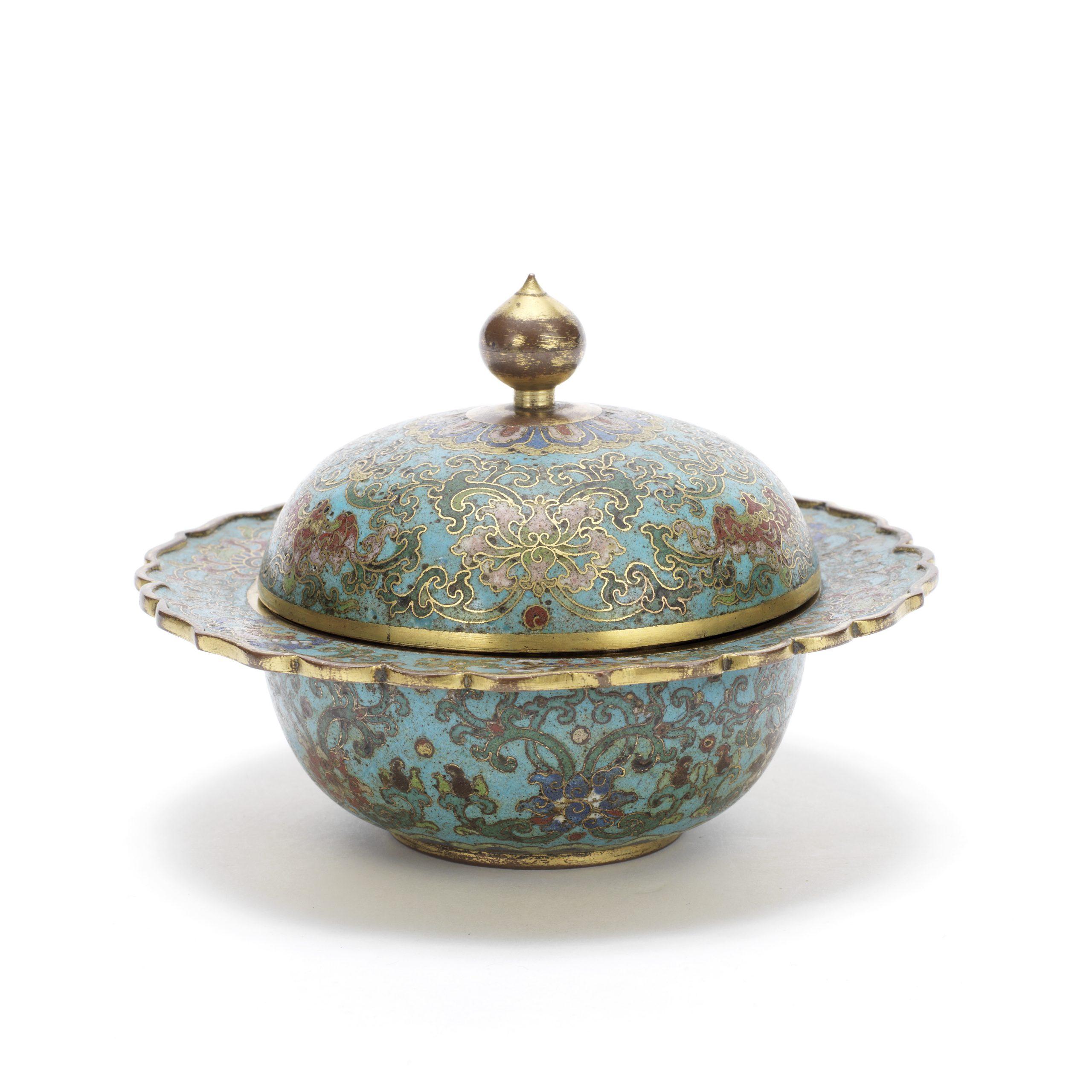 A cloisonné enamel spittoon, cover and liner, zhadou, Qianlong