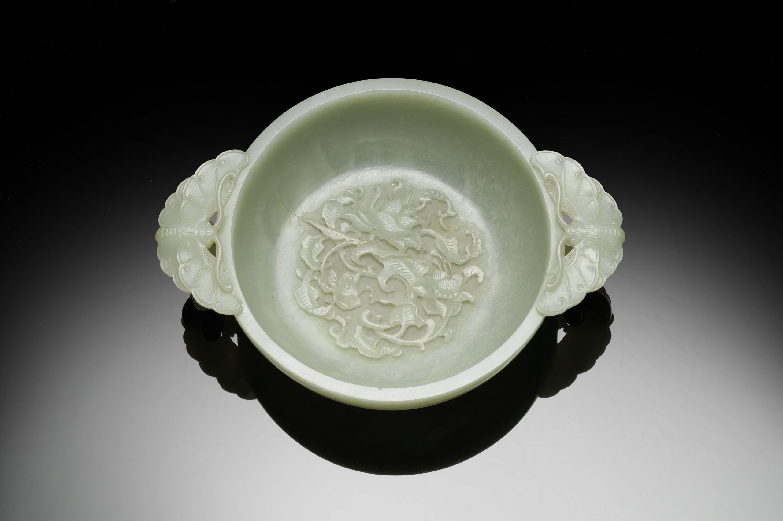 A very fine and rare pale green jade marriage bowl, Qianlong - Roger Keverne Ltd. Moving on.