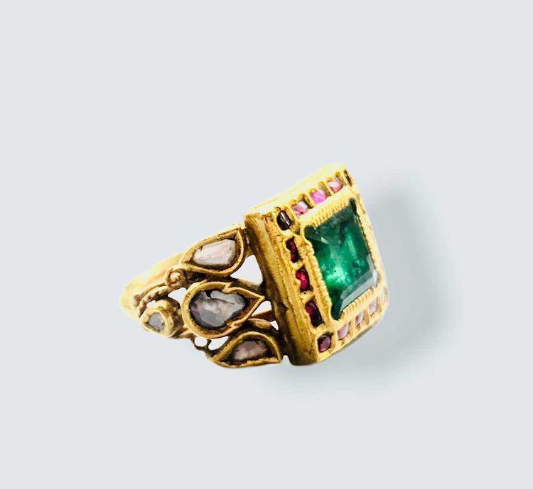 Emerald and Diamond Ring India 19th Century