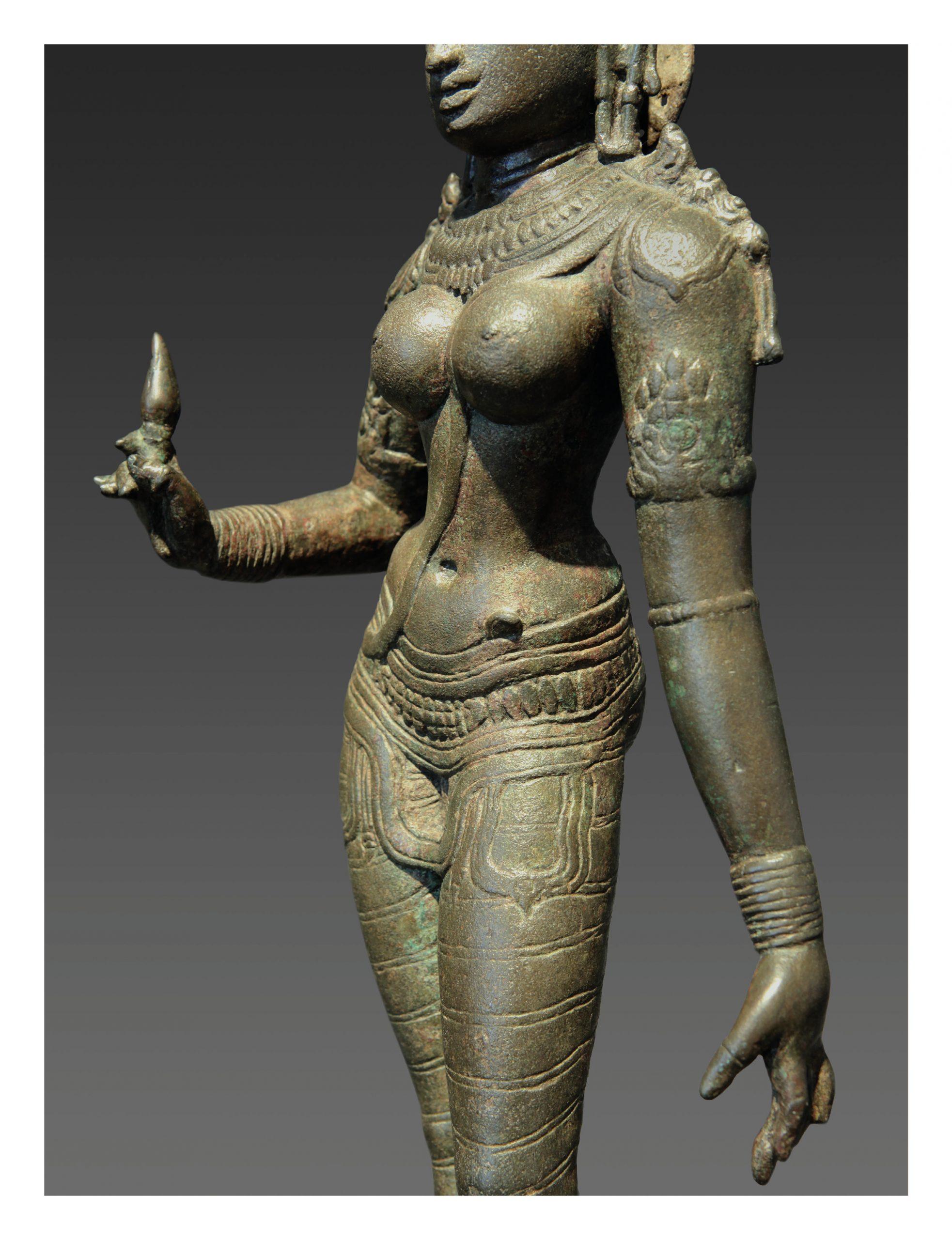 INDIA, PARVATI (DETAIL), CHOLA DYNASTY, 11TH CENTURY, H.: 63CM