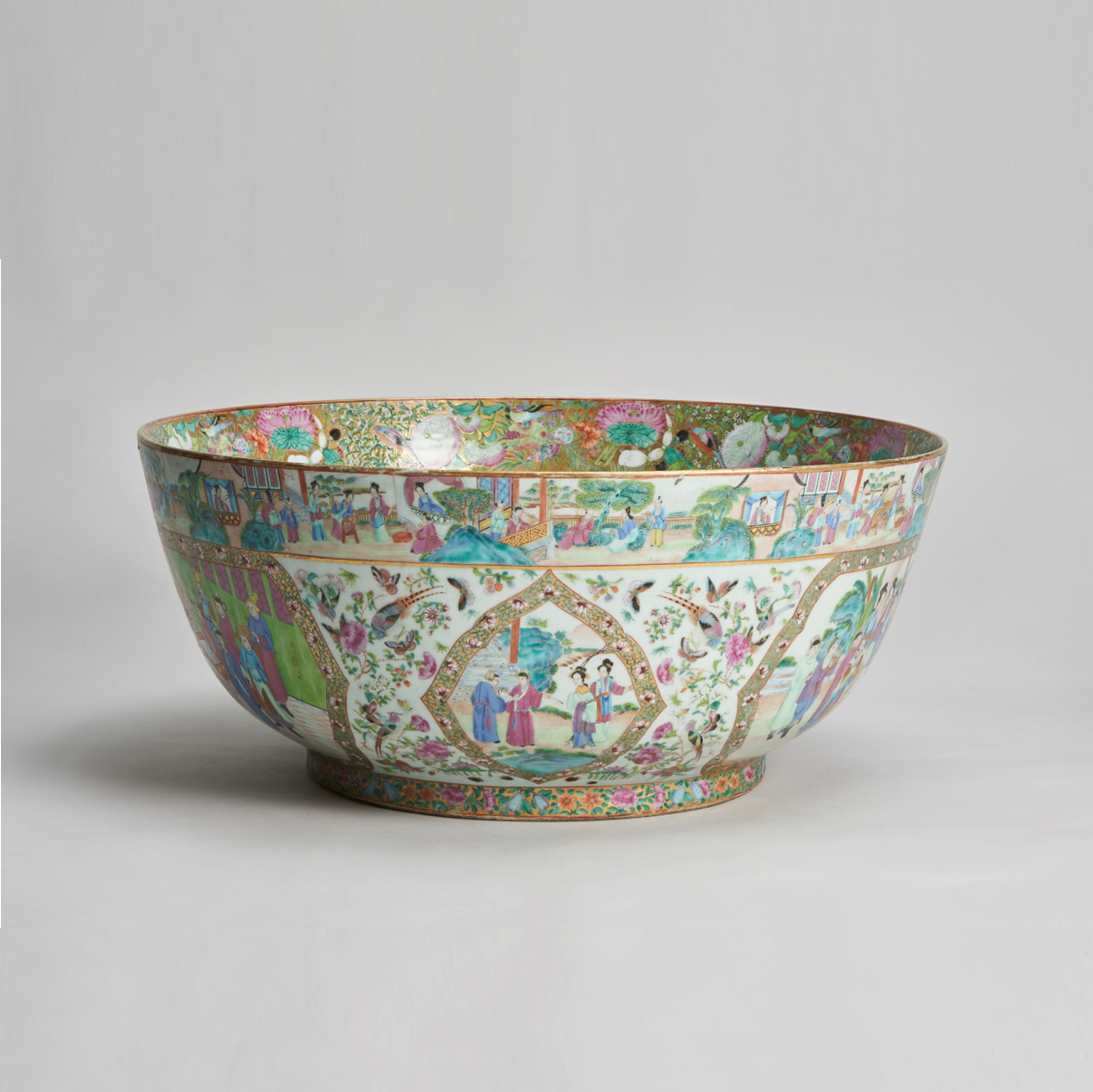 Canton punch bowl   A fantastic, large (59cm across) early 19th Century, decorative Canton punch bowl
