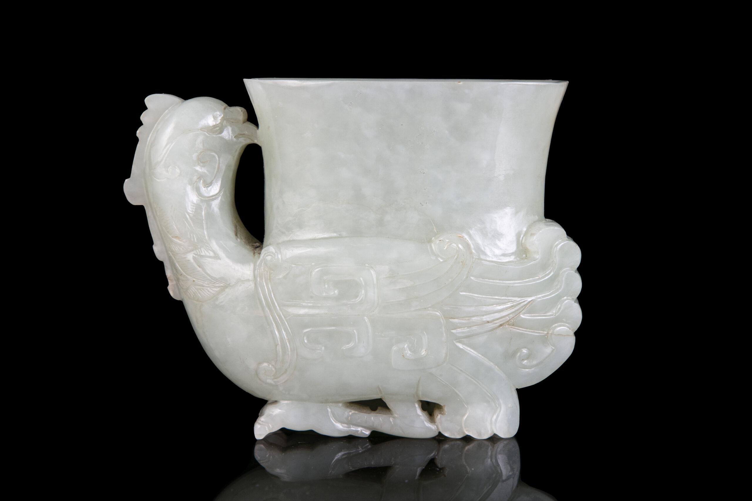 A JADE PHOENIX ARCHAISTIC VESSEL, RHYTON OR GONG, CHINA, QING DYNASTY, 19TH CENTURY